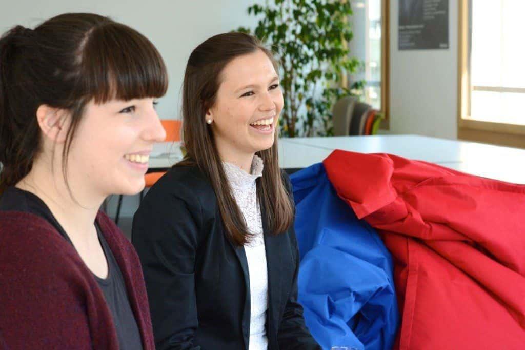 Stipendiatinnen zu Besuch im Büro_4