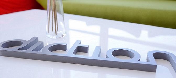 Diction-Schriftzug Tischsteher